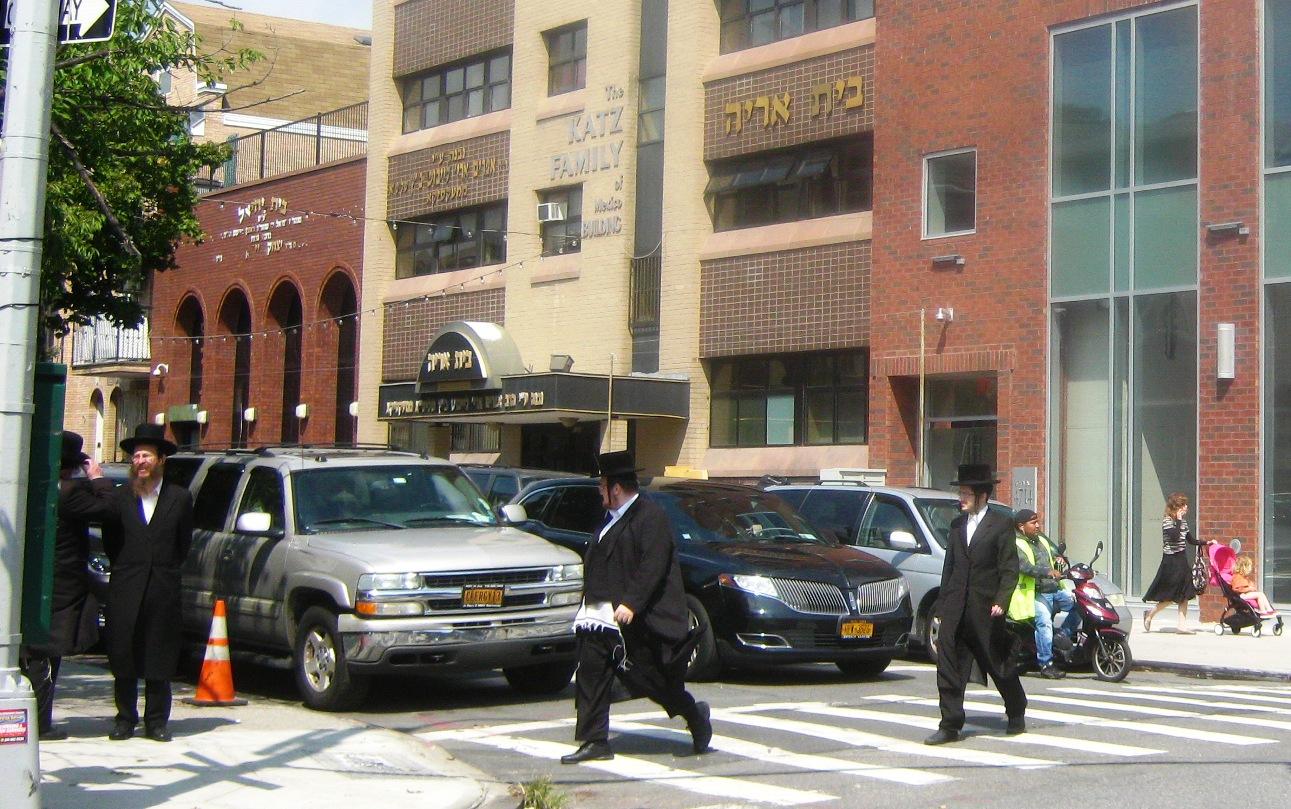 ブルックリン・ポーローパーク地区のユダヤ系の街。