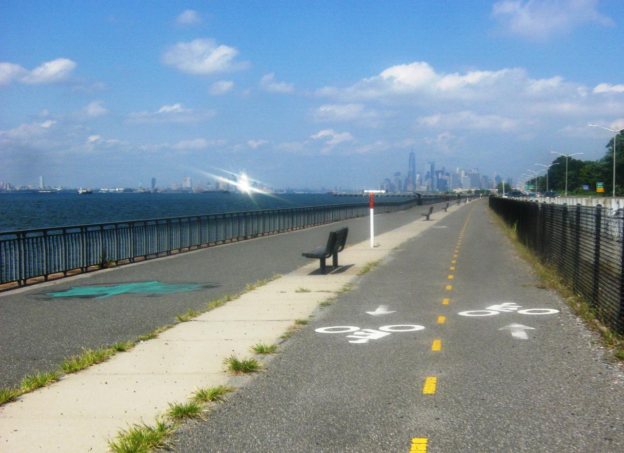 ブルックリン南岸の自転車道。