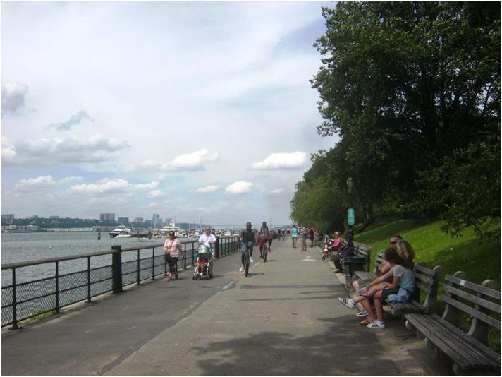 ハドソン川沿いの自転車道・歩道。