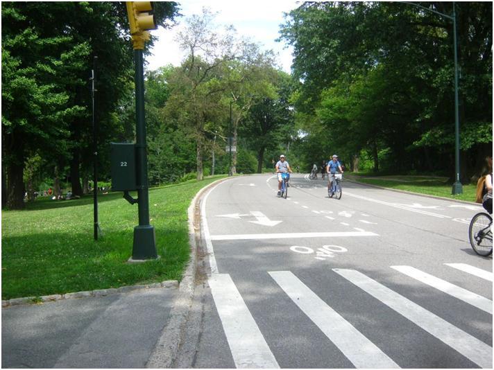 ニューヨーク・セントラルパークの自転車道。