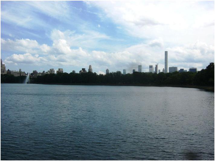 NYセントラルパークの池。