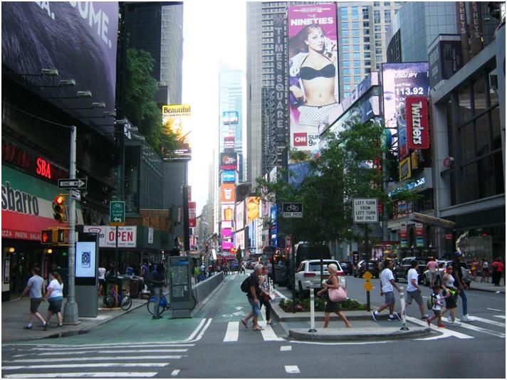 NYブロードウェイの自転車レーン。