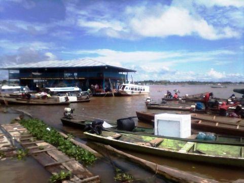 タバティンガの港。