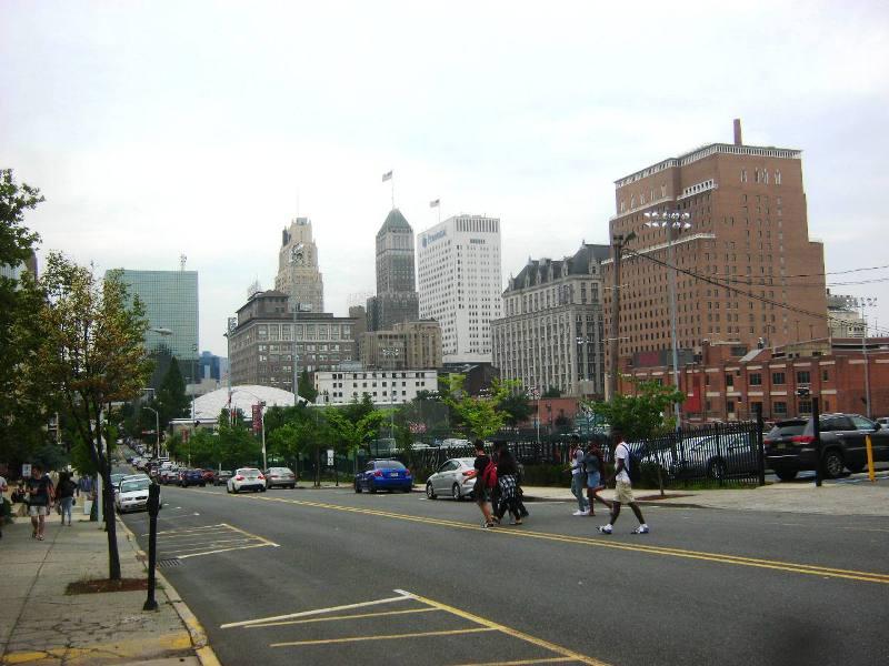 ユニバーシティ・ハイツ地区から見たニューアーク市中心部。