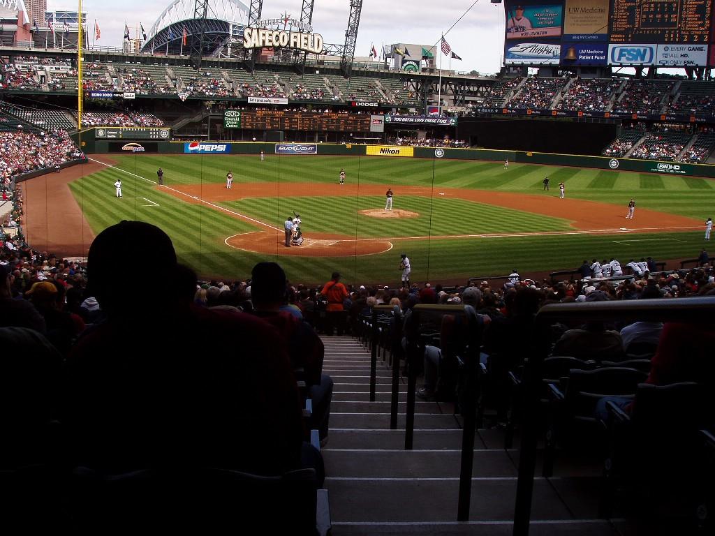 ワシントン州ポートランド市セーフコ球場での野球の試合。