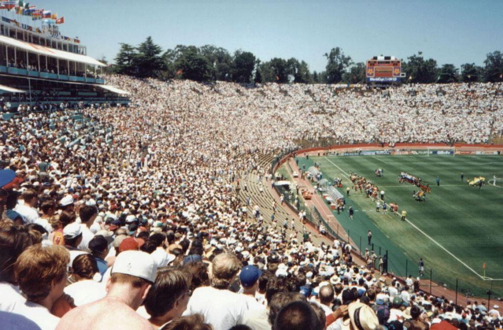カリフォルニア州スタンフォード大学のスタジアム。
