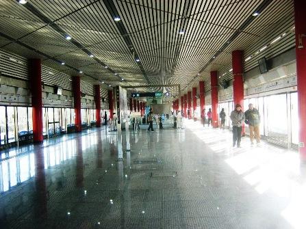 地下鉄国展駅のホーム。