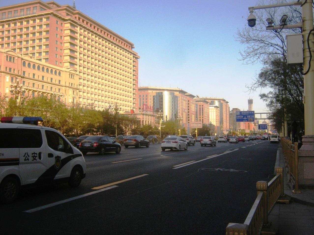 北京最大の目抜き通りの長安街。