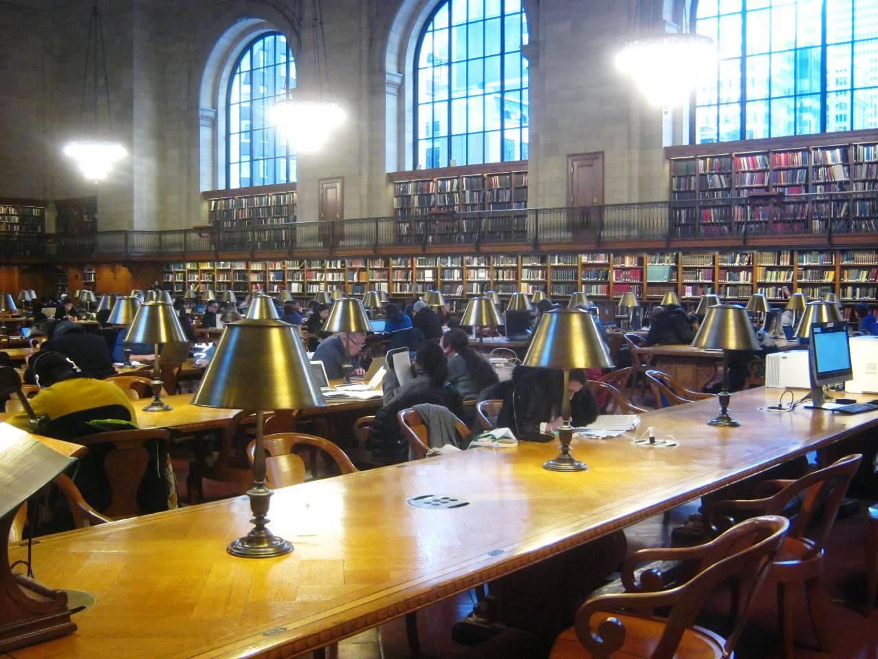 ニューヨーク公共図書館の参考資料室。
