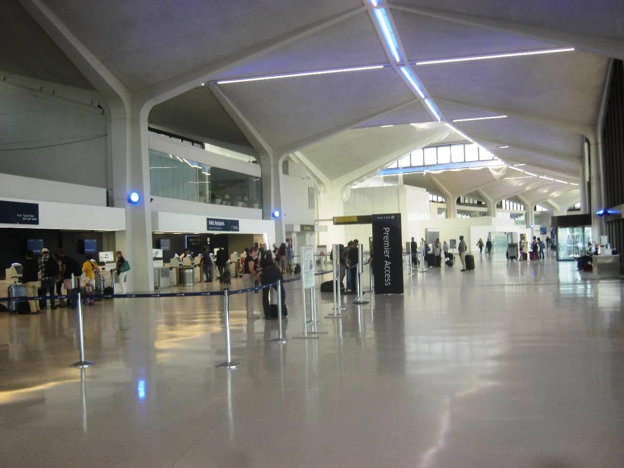 Cターミナルの中。