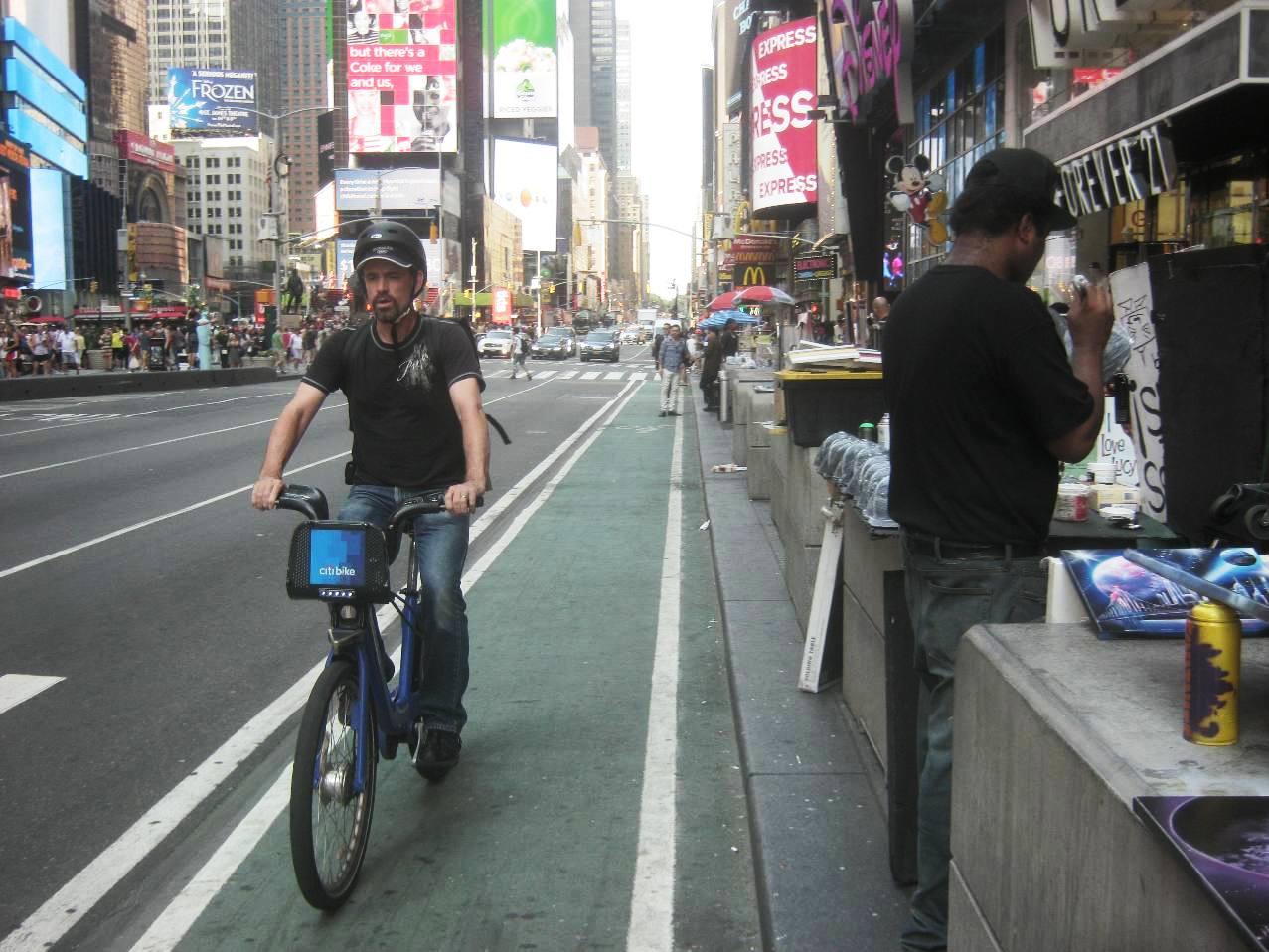 自転車レーン。