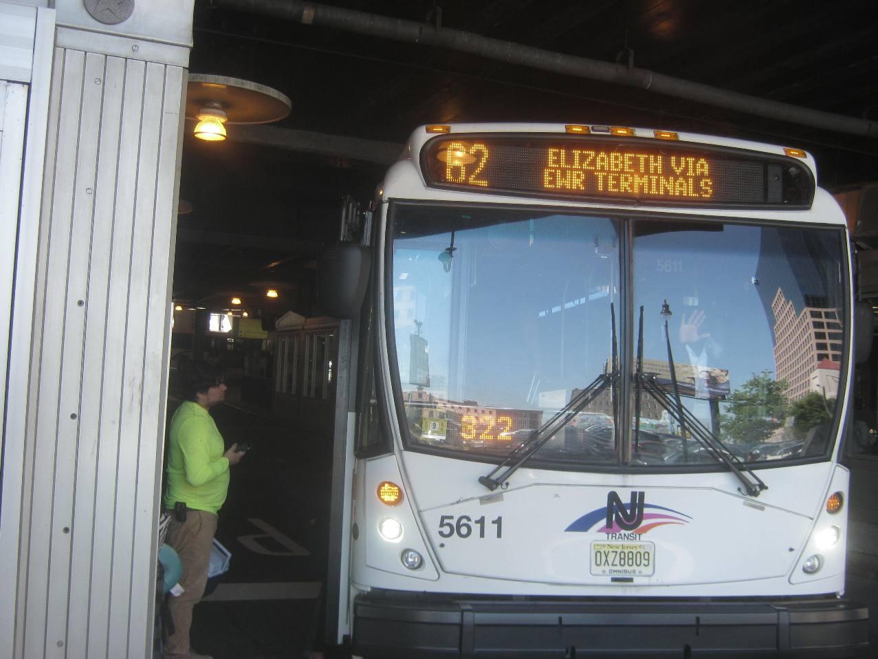 62番バス。