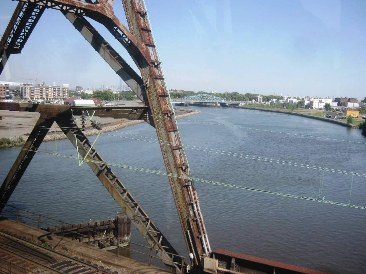 パセイック川の鉄橋。