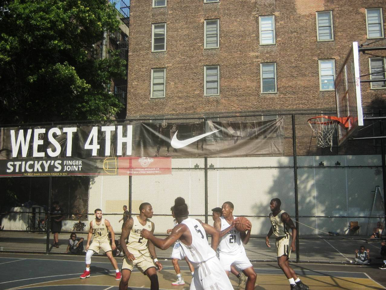 West 4th Streetコート
