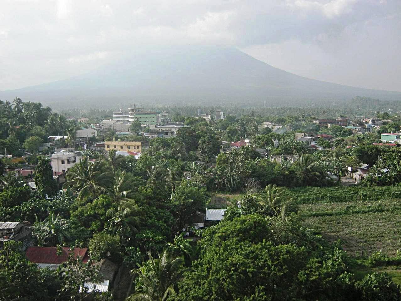 ダラガ教会からのマヨン山。